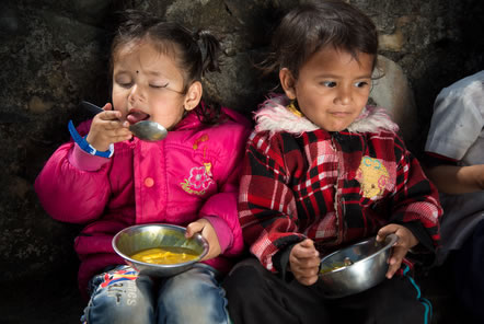 Free school lunches in Nepal