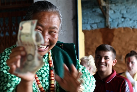Top 10 Money Tips for Volunteers