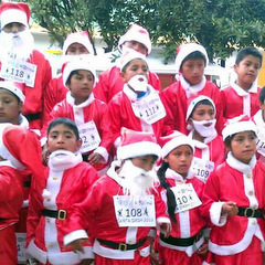Christmas volunteering santa race