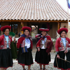 Perus traditional ladies in dress